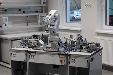 Pracownia montażu urządzeń i systemów mechatronicznych